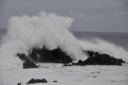Powerful swells